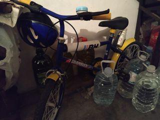 vendo esta estupenda bicicleta de niño 30€