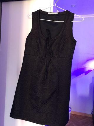 Se vende vestido Van-dos talla 38.