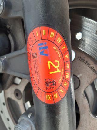 Suzuki burgman 125.exjecutive negra mate
