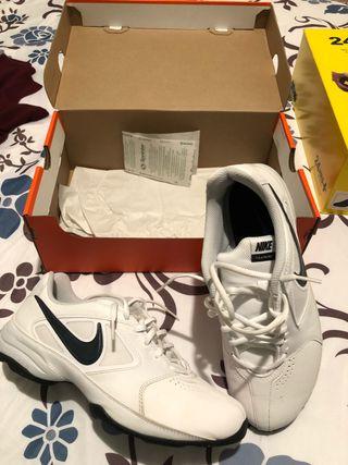 Lote de deportivas y zapatos de marca