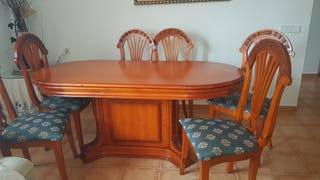 mesa y 6 sillas. maciza