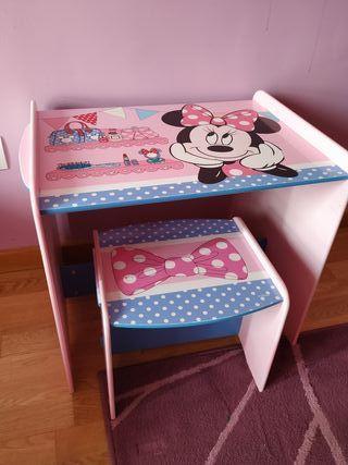 mesa y taburete Minnie