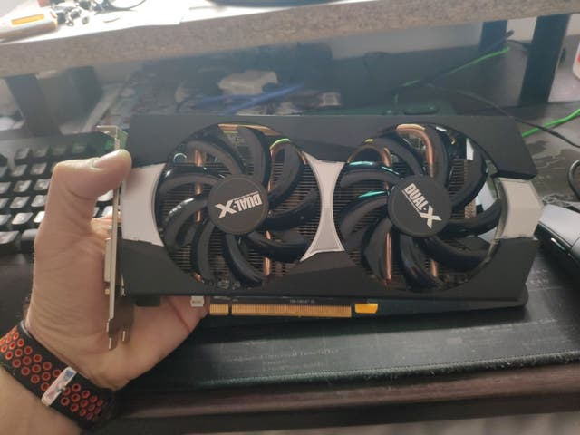Tarjeta Gráfica 4gb AMD Radeon Sapphire R9 270x