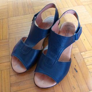 Sandalias azul marino piel Talla 40