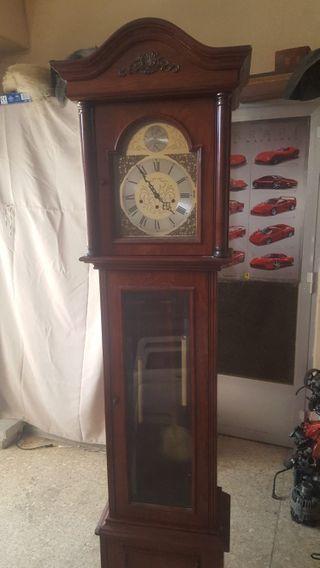 da776293788c Reloj de pie de segunda mano en la provincia de Alicante en WALLAPOP