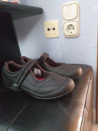 zapatillas de colegio nuevas