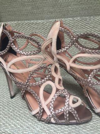 Zapatos calados beige y bronce.talla 40