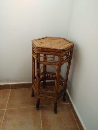 mesa de bambú en forma de exagono