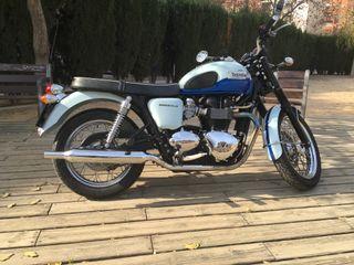 Moto triumph Bonneville Sixty T100