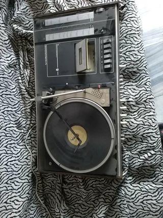 reproductor vinilo casete y radio vintage marca ko