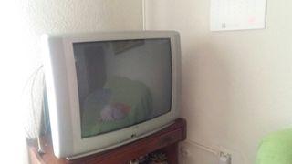 Televisión en buen estado. Funciona perfectamente.