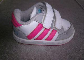Adidas talla 18 bebé niña