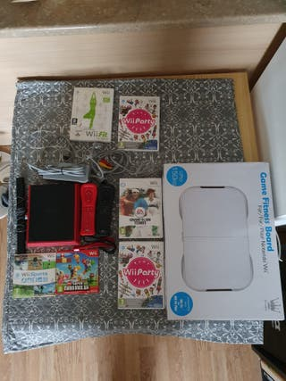 Wii Mini Roja + Juegos y tabla Wii Fit