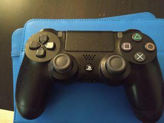 mando play 4 usado una vez solo.