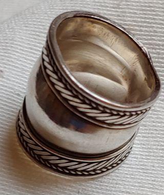 anillo de plata ancho