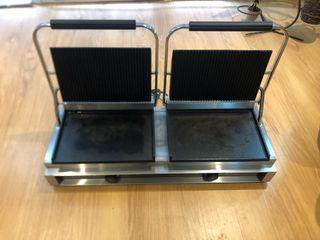 Plancha grill doble profesional uso hostel..