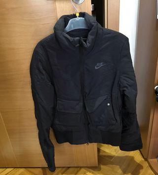 Se vende chaqueta Nike de chica