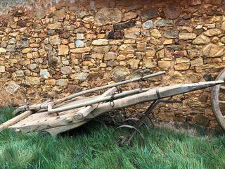 Carro antiguo de madera