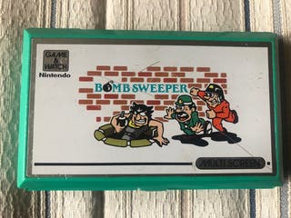 Bombsweeper game and watch