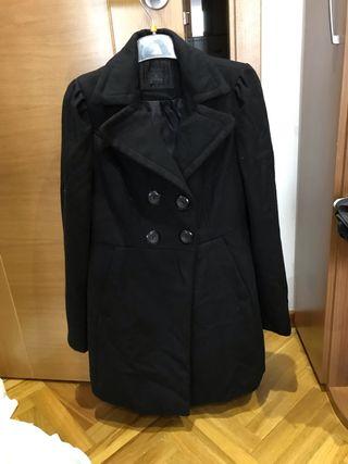 Se vende abrigo negro