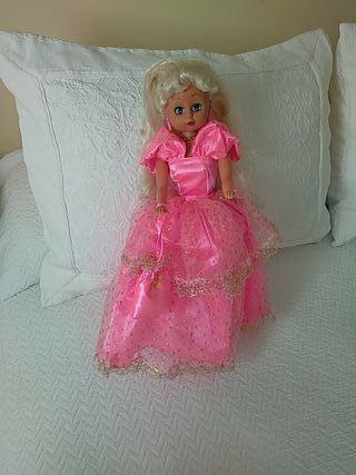 Muñeca princesa nueva