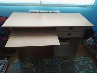 Mesa de ordenador/escritorio