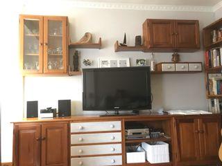 Mueble de salon completo.Con mesa y 4 sillas