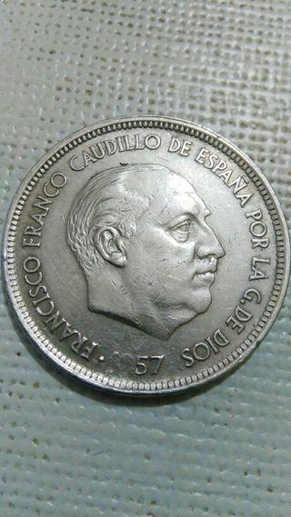 moneda de 50 pesetas con error en la fecha.