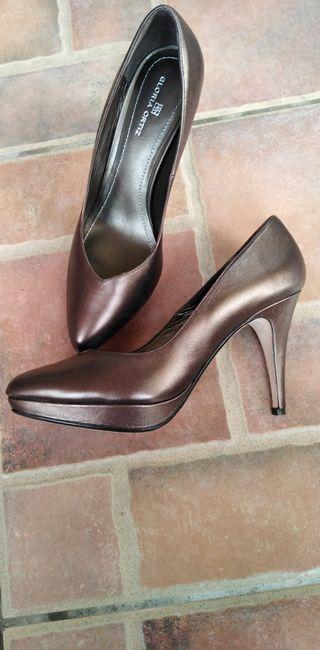 zapatoos gloria Ortiz, precio algo negociable