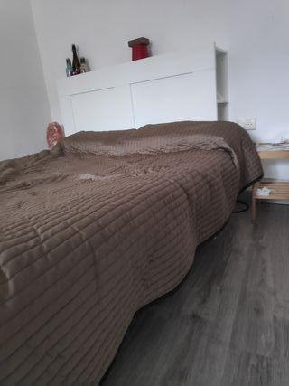 Cama de matrimonio+colchón+estantería/cabecera