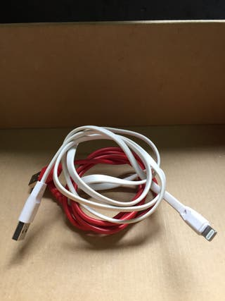 Dos cables para iphone