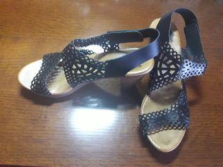 Sandalias de piel, n°41.
