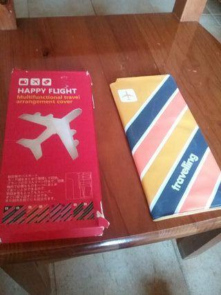 Funda documentos para viajar happy flight