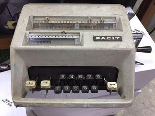Maquina de calcular antigua