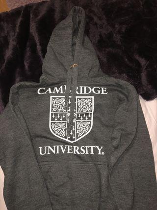 Sudadera de la Universidad de Cambridge