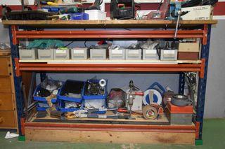 banco de trabajo y herramientas