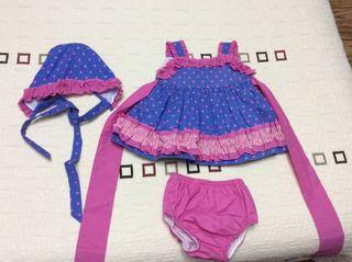 Vestido niña 12 mese con capota y braguitas compañ