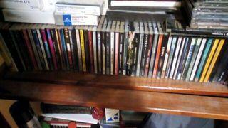 cd's de música variados.