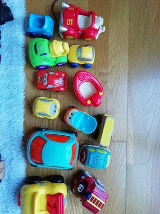13 coches pequeños