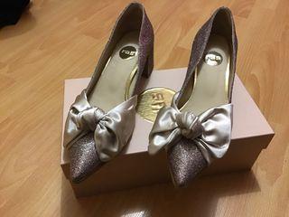 Zapatos marca Ras número 39