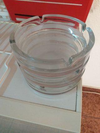 ceniceros grandes de cristal