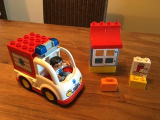 Lego duplo ambulancia / completo