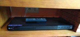 Reproductor DVD USB marca LG
