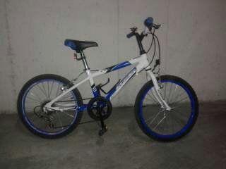Bicicleta para niños marca BH