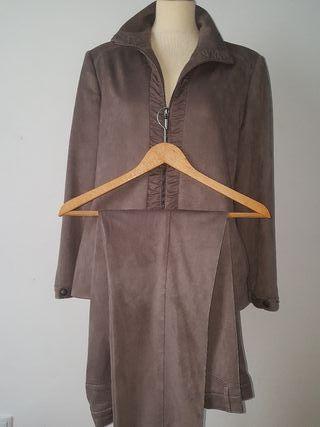 traje pantalón y chaqueta