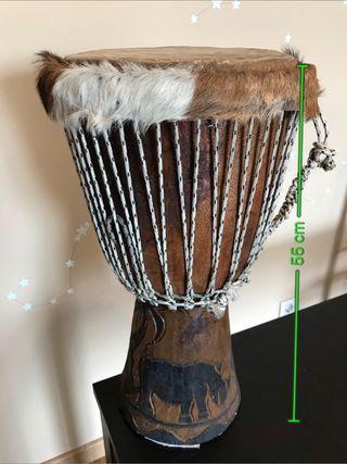 Tambor djembé africano