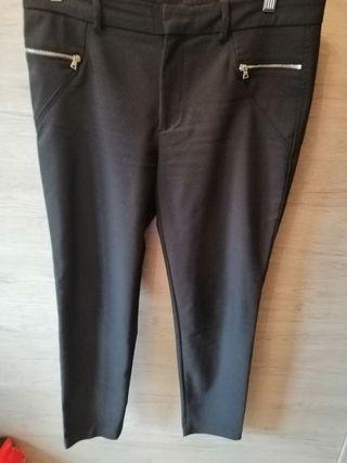 Pantalón ZARA talla L pitillo largo