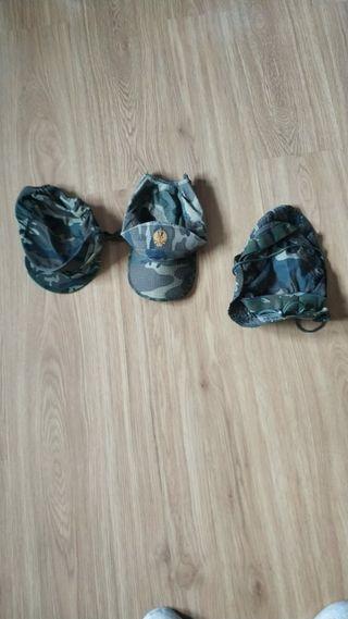 gorras y chambergo militar
