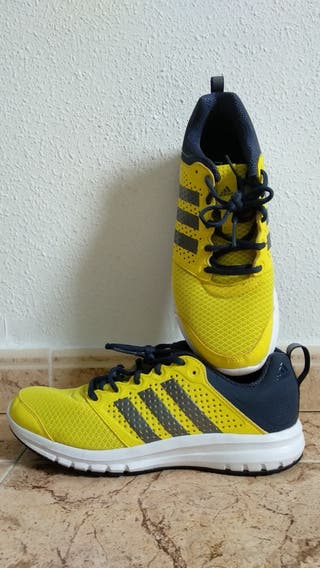 Deportivos Running Adidas.