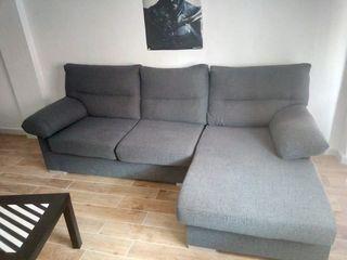 sofá chaise longue casi nuevo, azul oscuro.